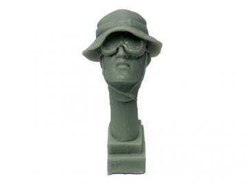Kopf 4 Hut und Brille