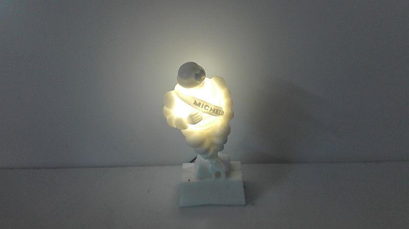 Beleuchtetes Michelin Männchen 32mm weiss LED