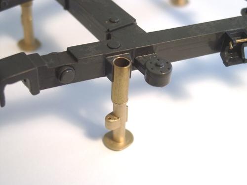 Stützfüsse für Triebwerkskonsole