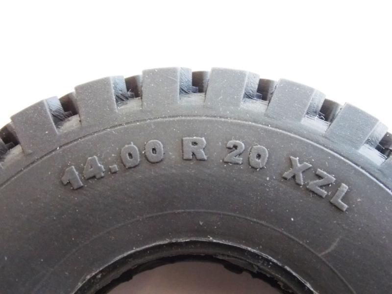Michelin 14,00 R 20 XZL Hohl Reifen Maßstab 1:10